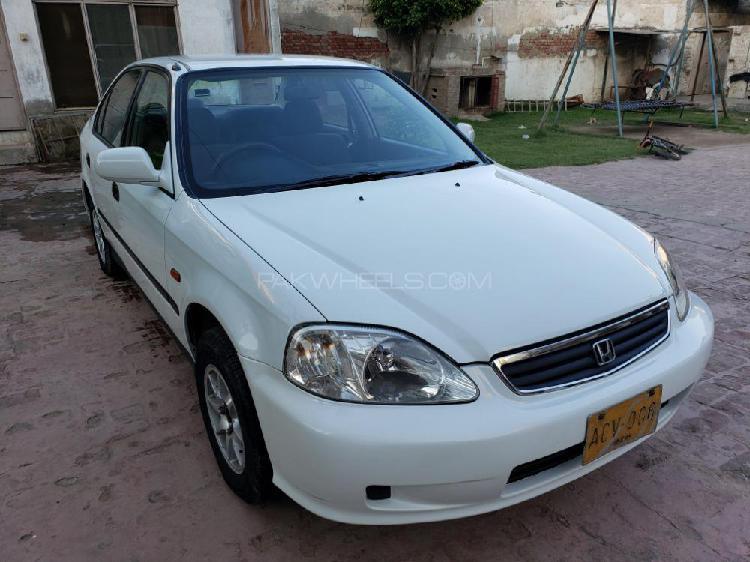 Honda civic exi 2000