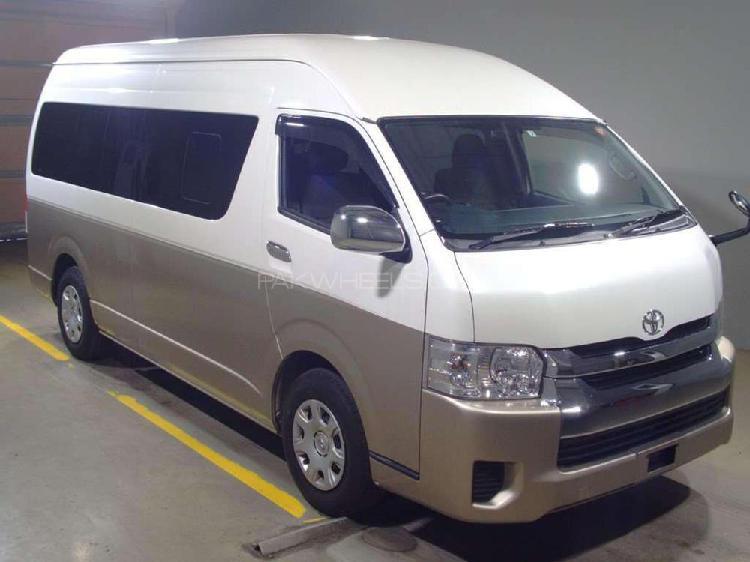 Toyota hiace grand cabin 2016