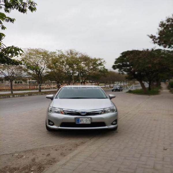 Toyota corolla fielder hybrid 2015