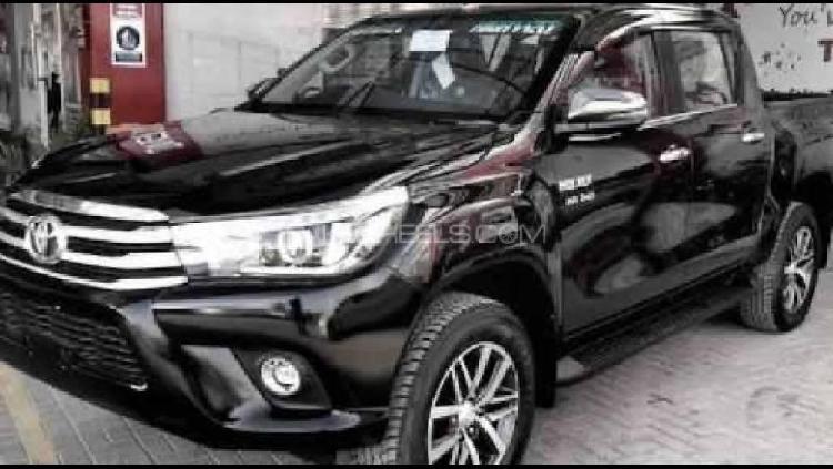 Toyota hilux 4x4 single cab standard 2.8 2020