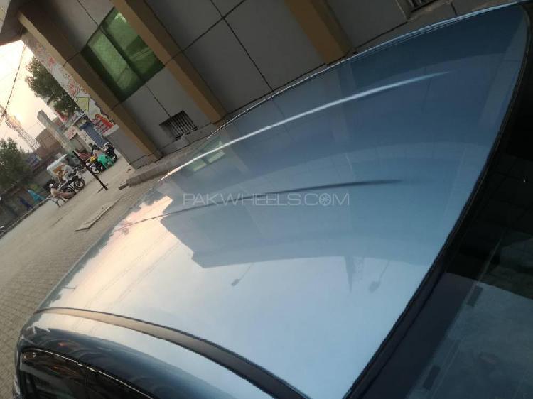 Toyota corolla axio hybrid 1.5 2015