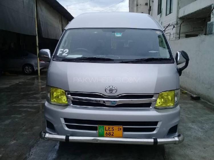 Toyota hiace grand cabin 2013
