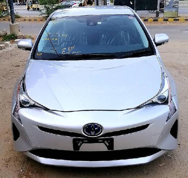 Toyota prius s 2017