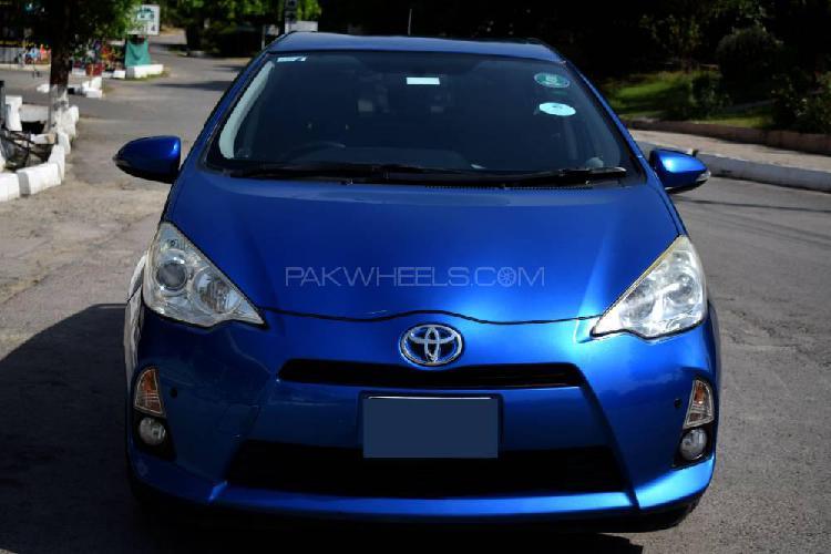 Toyota aqua s 2013