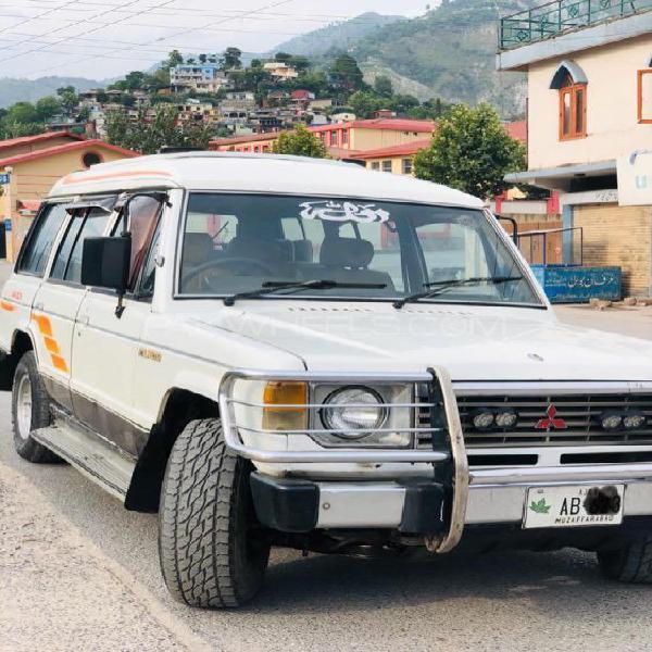 Mitsubishi pajero 1988