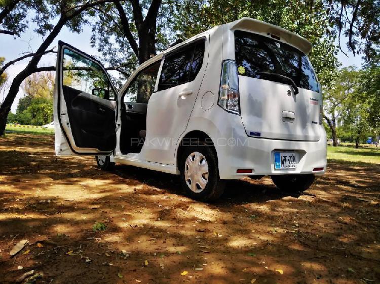 Suzuki wagon r fx limited 2015