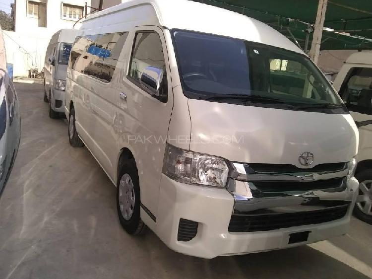 Toyota hiace trh 224 2015