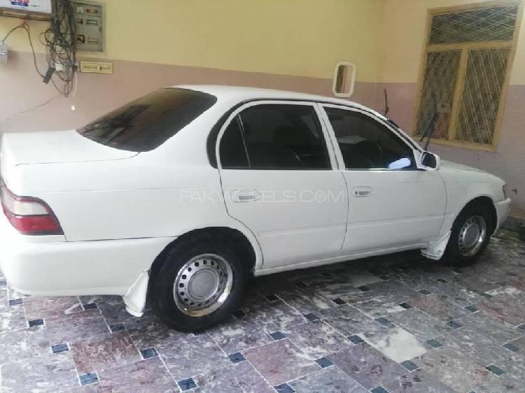 Toyota corolla xe 2001