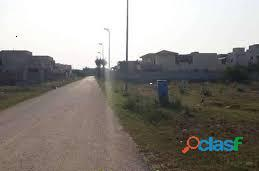 Beautiful plot in paragon city for sale