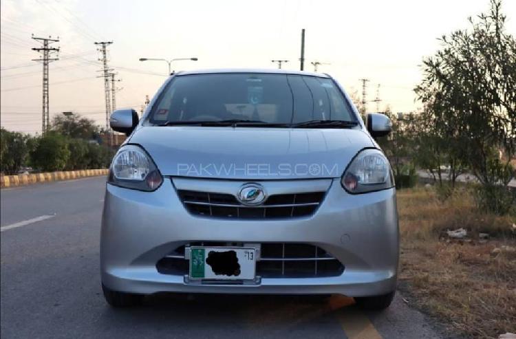 Daihatsu mira es 2012