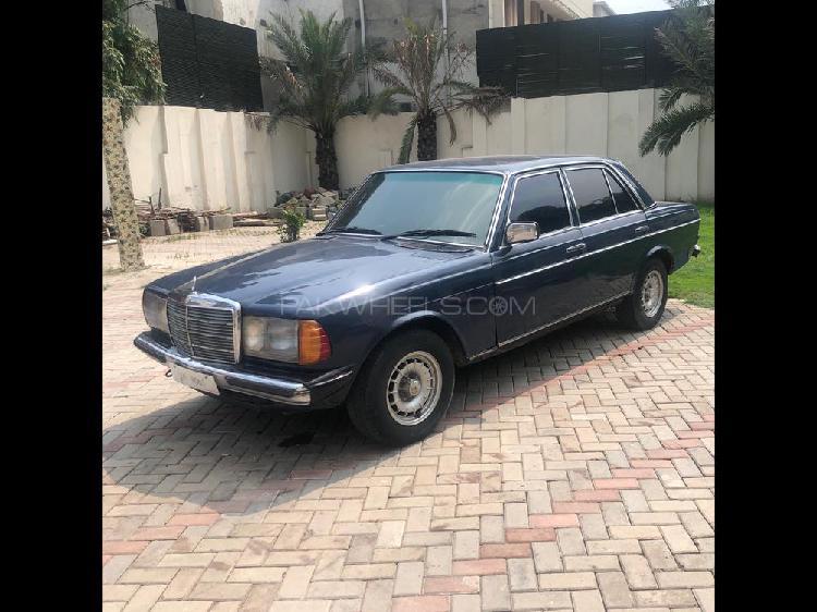 Mercedes benz d series 1981