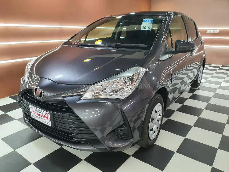 Toyota vitz f limited ii 1.0 2017