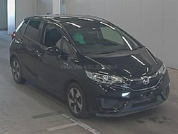 Honda fit 1.5 hybrid l package 2017