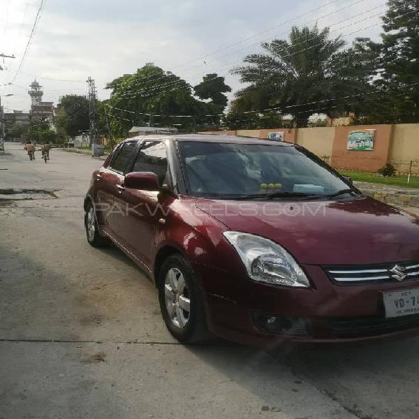 Suzuki swift dlx 1.3 2012