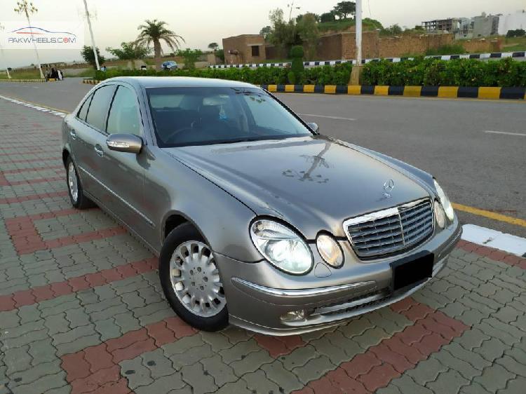 Mercedes benz e class e200 2005