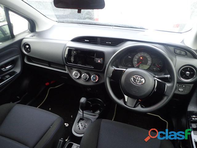 Toyota vitz f 1.0 2016