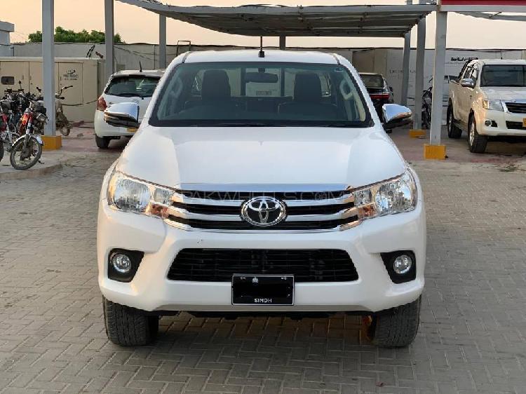 Toyota hilux revo g automatic 2.8 2020