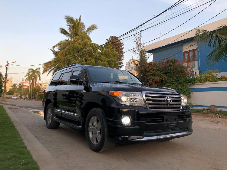 Toyota land cruiser ax 2013
