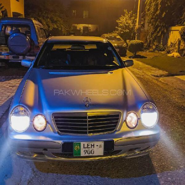 Mercedes benz e class e220 cdi 2001