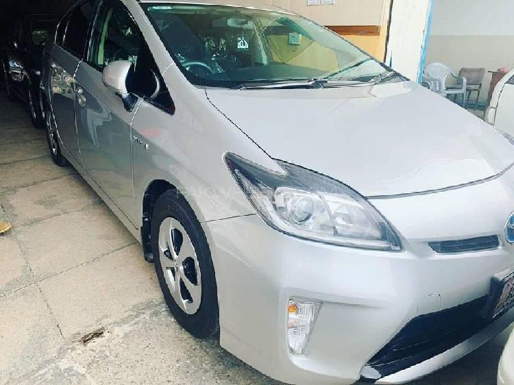 Toyota prius s 1.8 2013