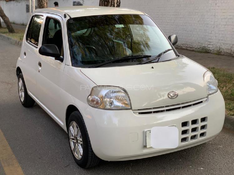 Daihatsu esse eco 2011