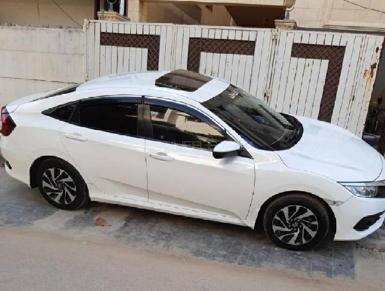 Honda Civic Oriel 1.8 i-VTEC CVT 2017