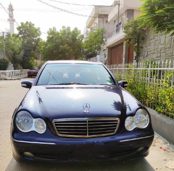Mercedes benz c class c200 2001