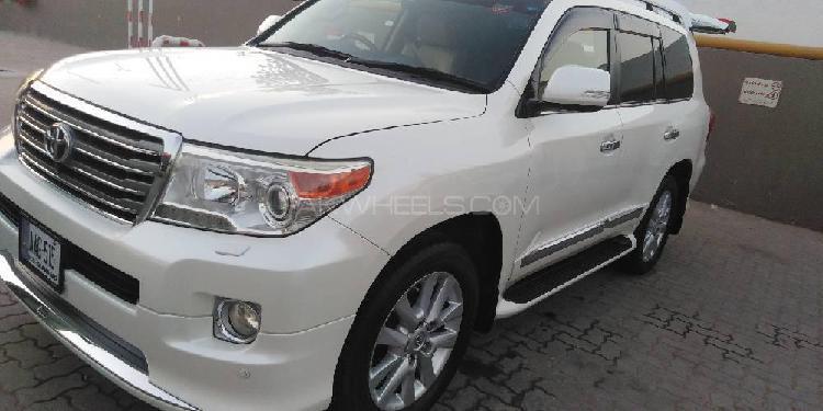 Toyota land cruiser zx 2012
