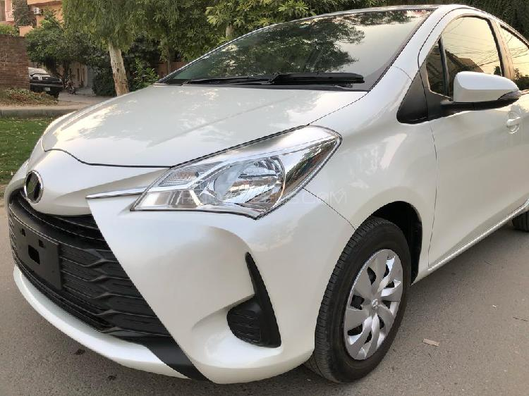 Toyota vitz f 1.0 2017