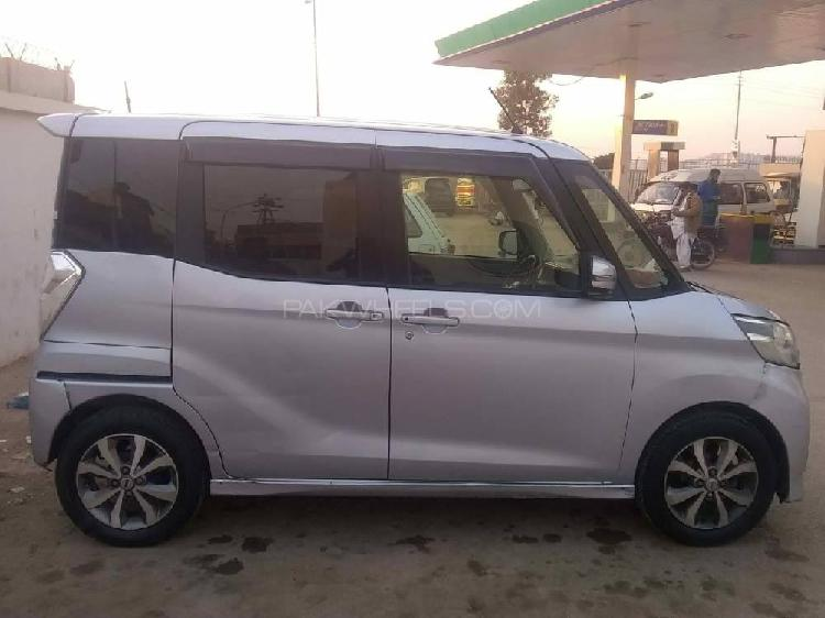 Nissan roox g limited 2014
