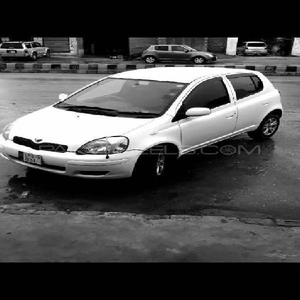 Toyota vitz f 1.0 2004
