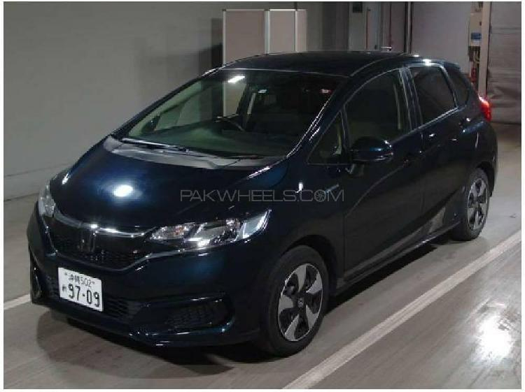 Honda fit 1.5 hybrid l package 2018