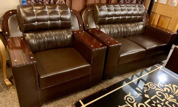 Sofa set 6 seater few months used