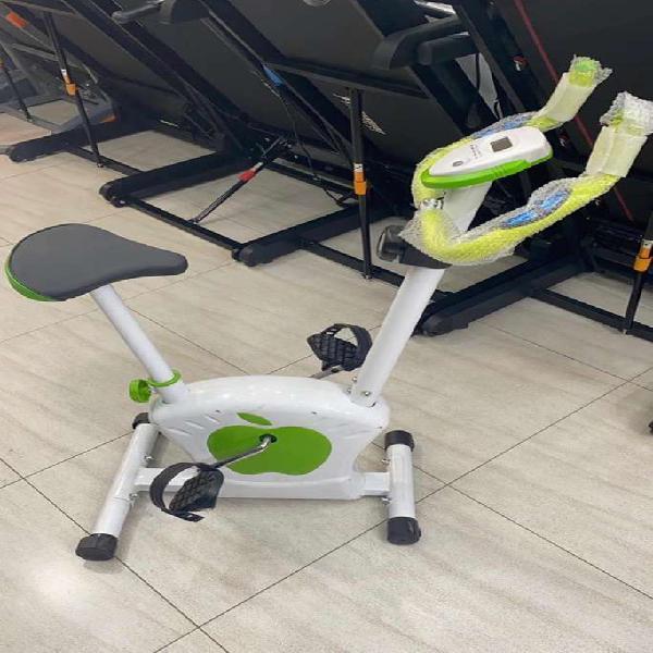 Cardio workout exercise bike: