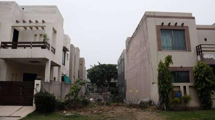 Prime Location 5 Marla Possession Plot For Sale DHA Phase5