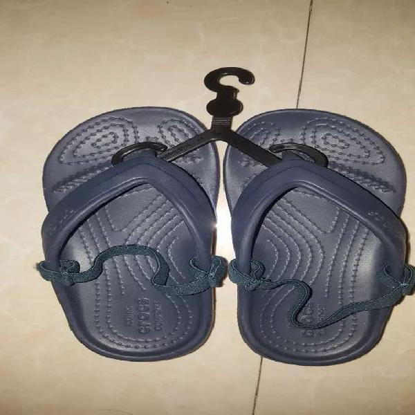 NEW Genuine kids crocs sandals/ flip flops c11