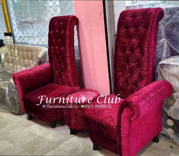 High back chairs with round table in molty foam
