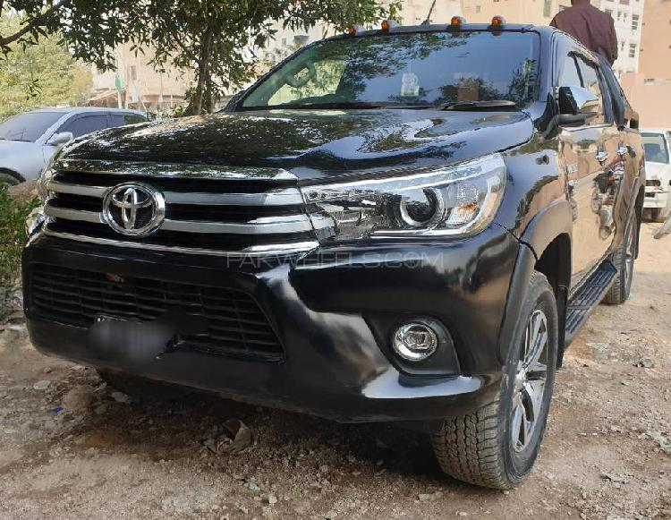 Toyota hilux revo v automatic 2.8 2020