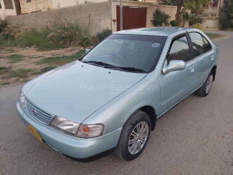 Nissan sunny ex saloon 1.3 1998
