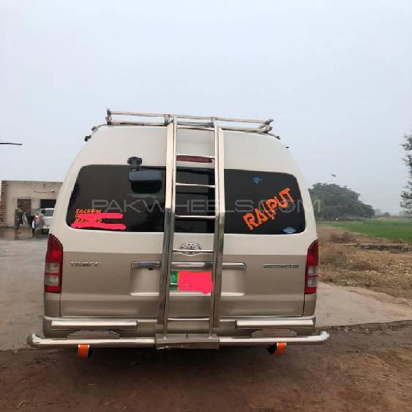 Toyota hiace grand cabin 2019