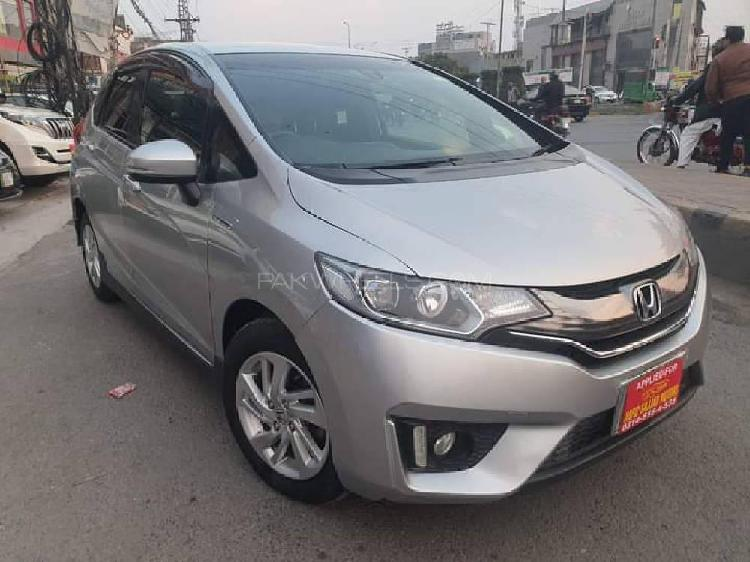 Honda fit 1.5 hybrid s package 2014