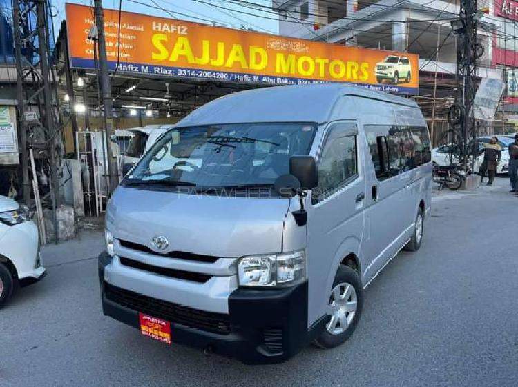 Toyota hiace trh 224 2016