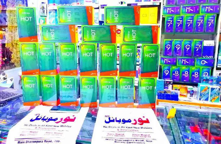Infinix hot 10 (4gb 128gb) 5000mah batterry box pack