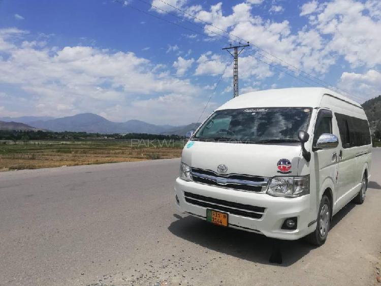Toyota hiace dx 2019