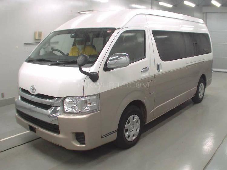 Toyota hiace grand cabin 2017