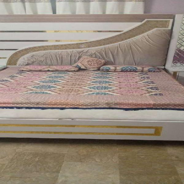 Double bed , 4 door wardrobe, dressing table