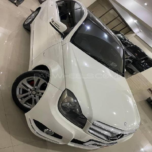 Mercedes benz c class c200 2011