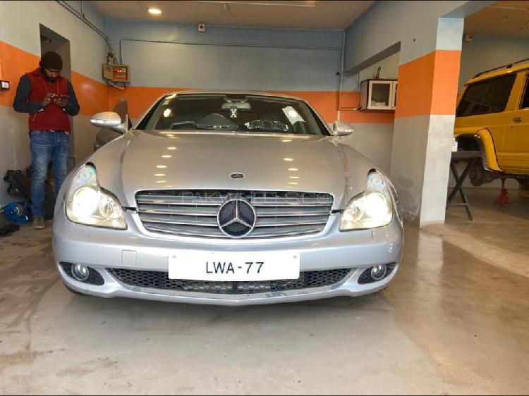 Mercedes benz cls class cls500 2005