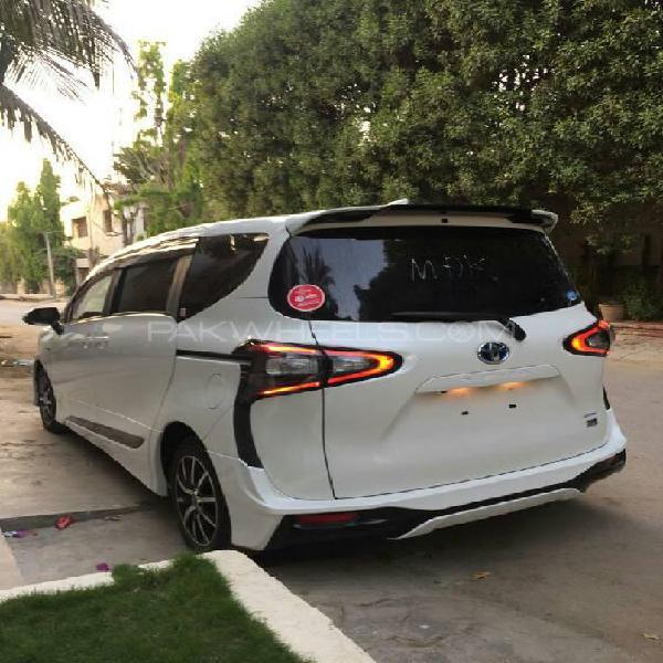 Toyota sienta g 2016