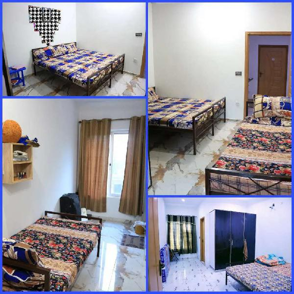 Delight Girls Hostel Near DHA phase 5, State life society,